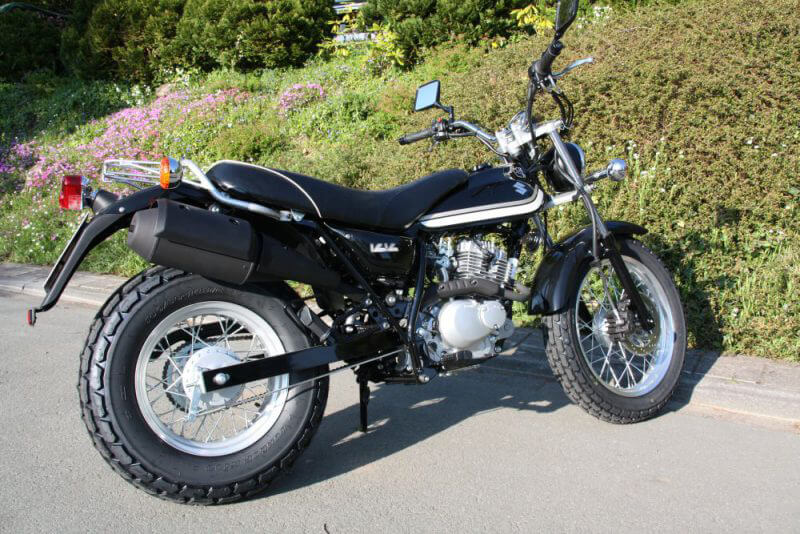Unsere Suzuki 125 für Deinen Klasse A1 Führerschein